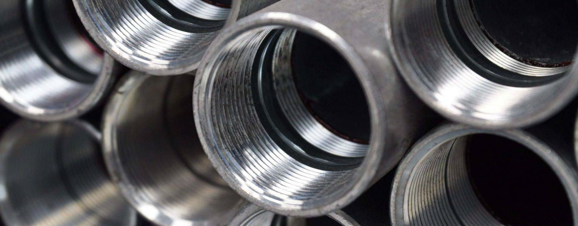 Filettatura dell'acciaio presso stabilimento di Lecco