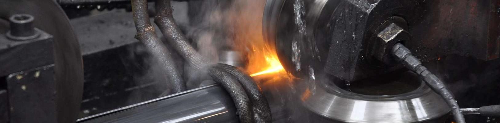 Profilierung von Stahlrohren bei Acciaitubi